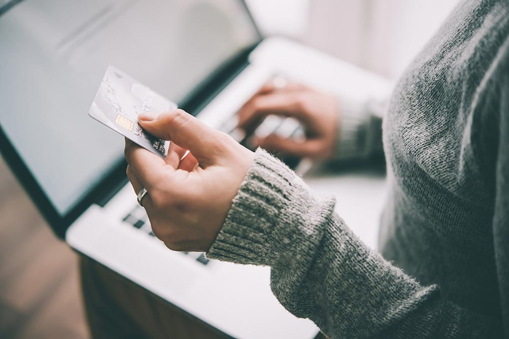 lady using a credit card